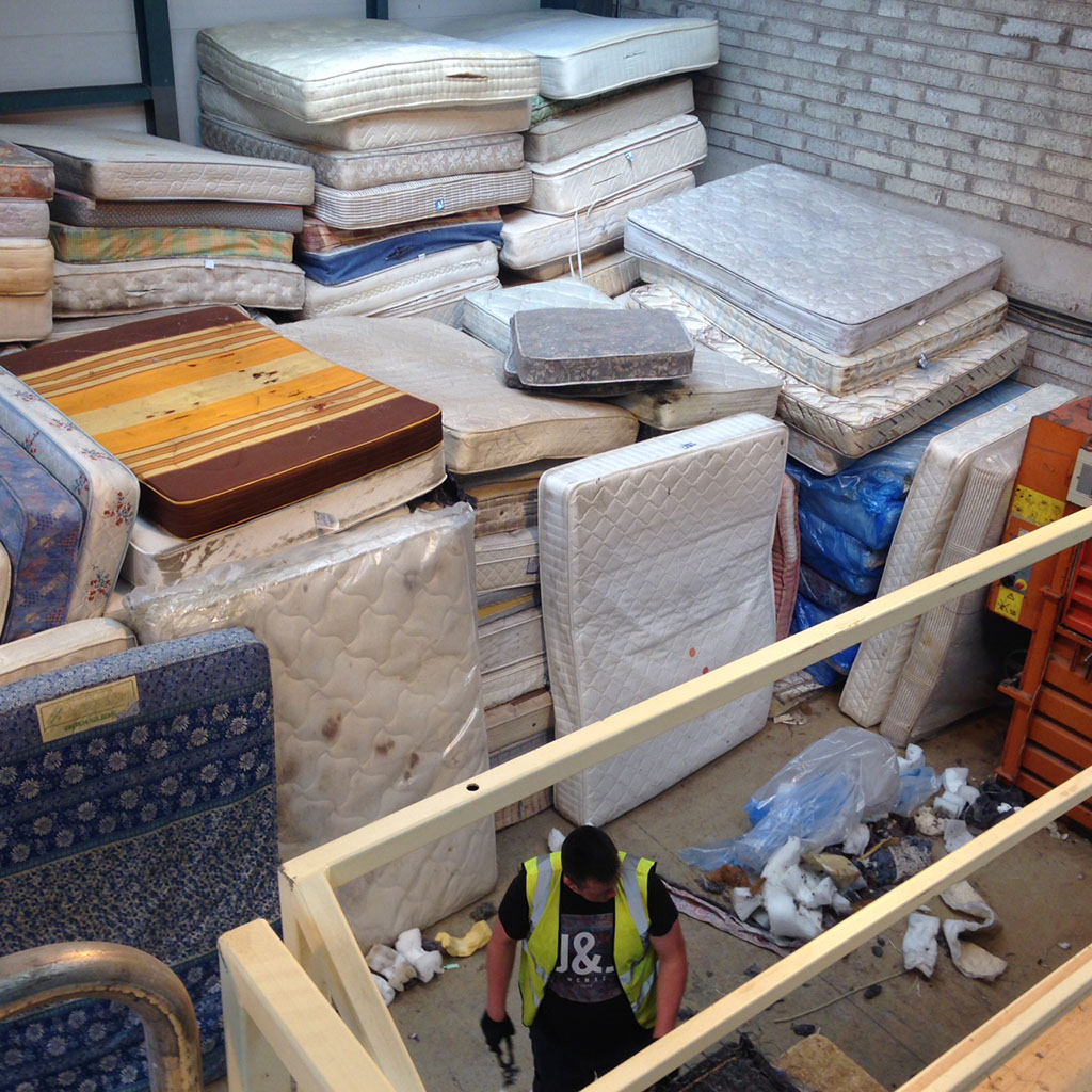Boomerang Enterprises provides a completely traceable, sustainable, dismantling and recycling of mattresses.